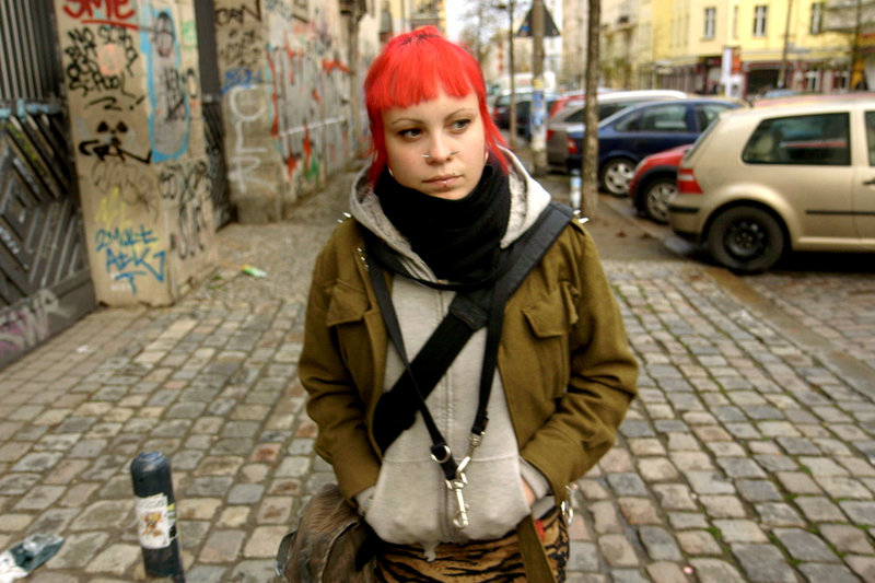 berlin rebel high school film auf dvd ausleihen bei. Black Bedroom Furniture Sets. Home Design Ideas