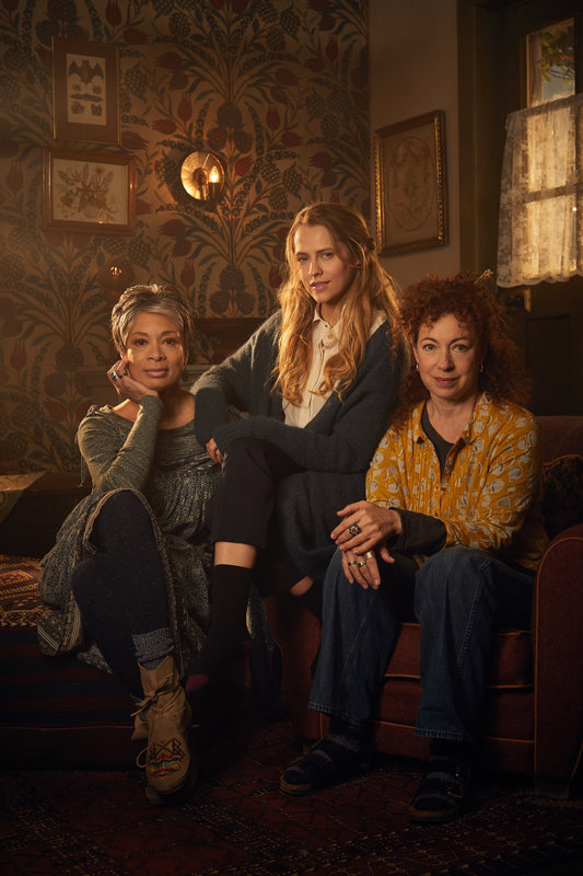 A Discovery Of Witches Staffel 2